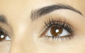 Glow Your Lashes